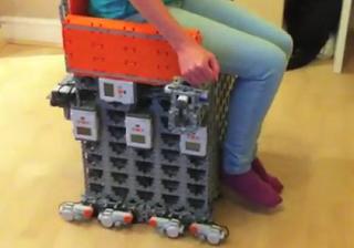 >Legoで車いすを作れる