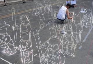 レゴミニフィグのストリートペインティング