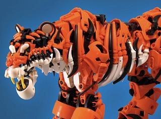 レゴでできたトラが本物そっくりでスゲェ!
