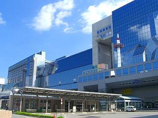 全長4.8m、約30万ピースのレゴで作られた京都駅ビルお披露目